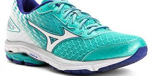 Top 10 Best Running Shoes for Women in 2017